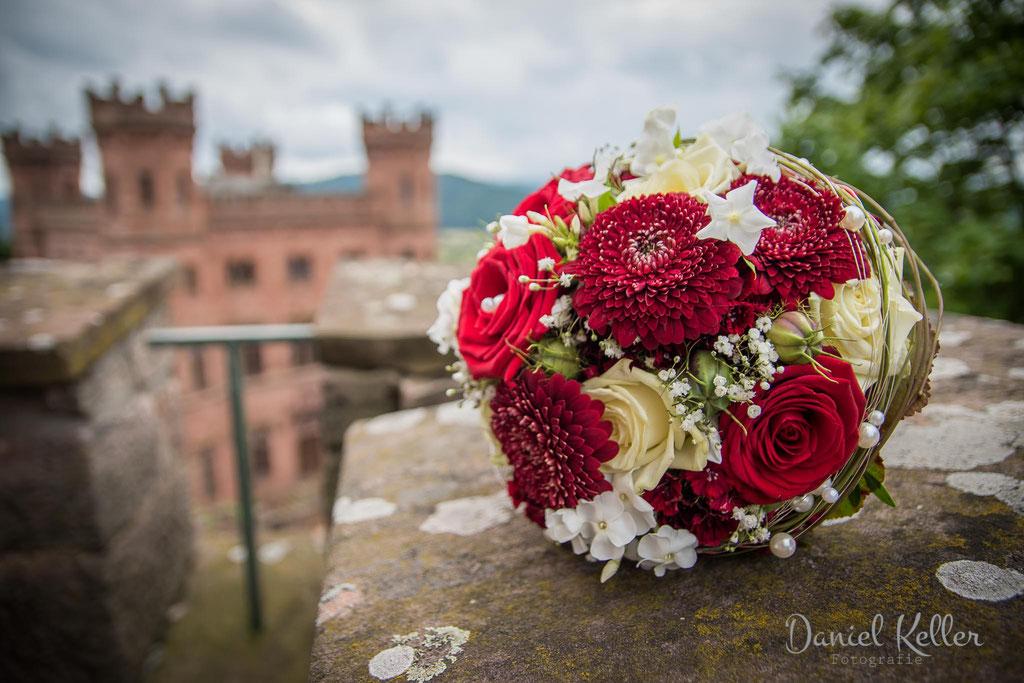 Brautstrauß Schloss Ortenberg / Daniel Keller Fotografie Hochzeitsfotograf