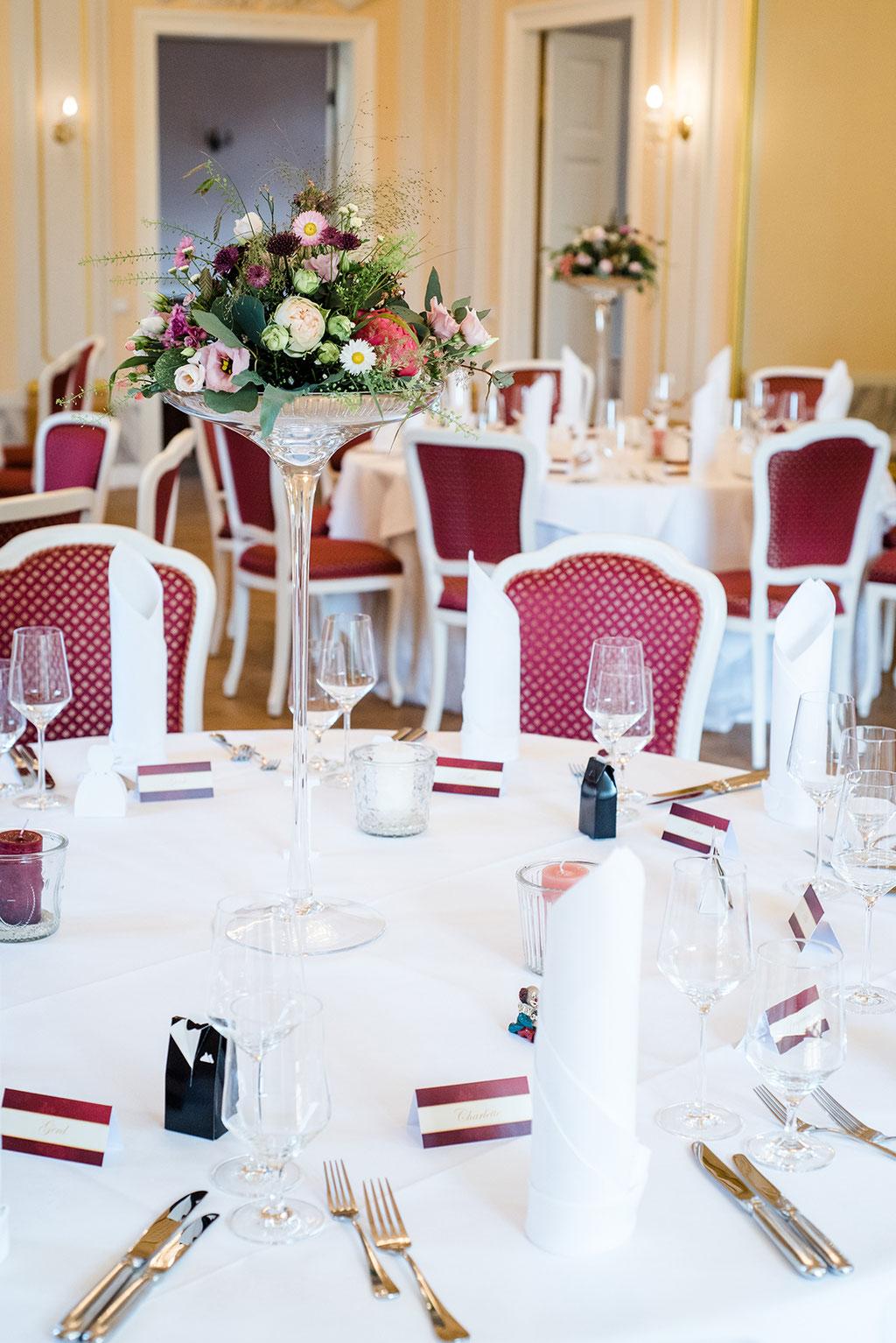 Heiraten in Leipzig in wundervoller Hochzeitslocation Herrenhaus Möckern mit professionellen Hochzeitsfotograf aus Leipzig