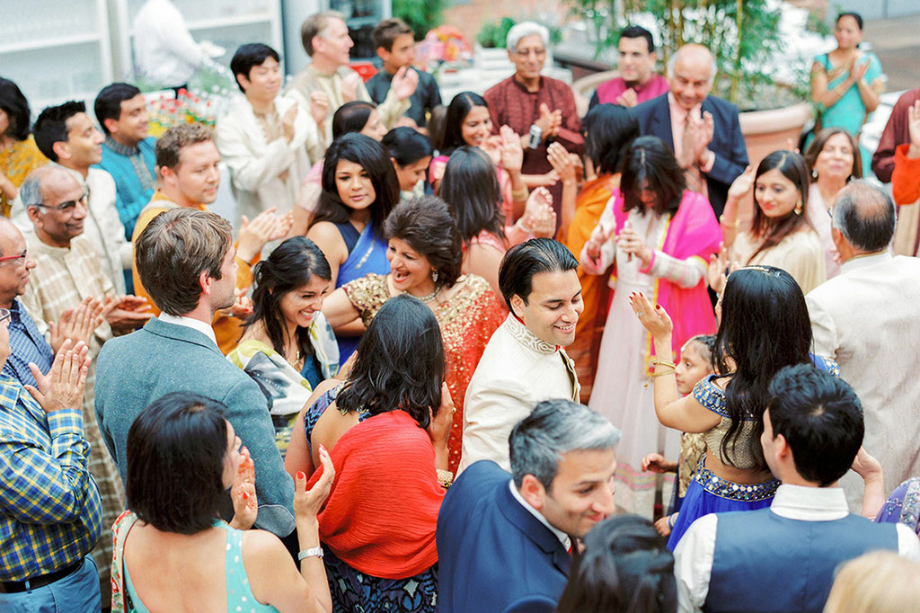Deutsch-Indische Hochzeit in Berlin von www.IhrHochzeitsplaner.Berlin | Fotos: www.AshleyLudaescher.com