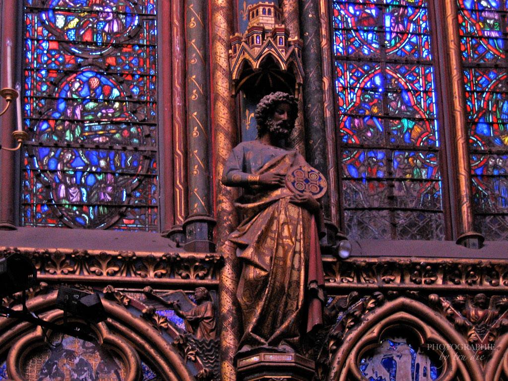 Bild: Einer der zwölf ApostelSainte-Chapelle in Paris