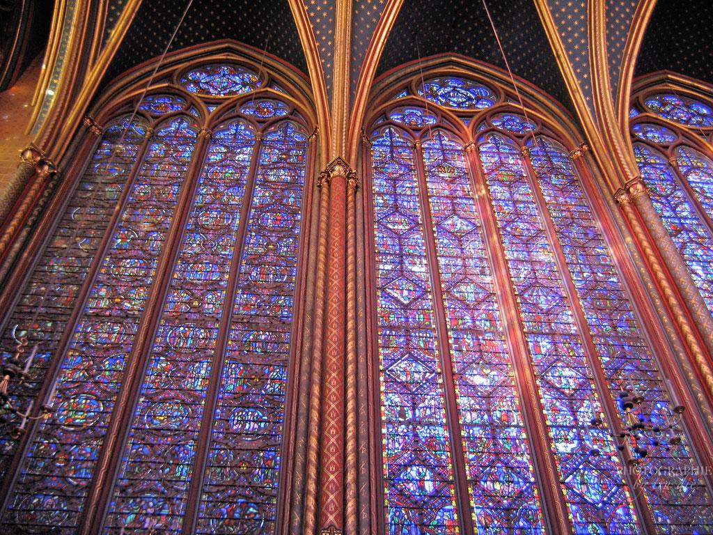 Bild: Seitenfenster in der Sainte-Chapelle in Paris