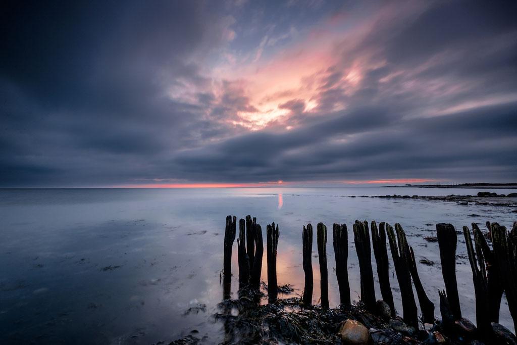 Dramatische Wolken am Strand von Behrensdorf
