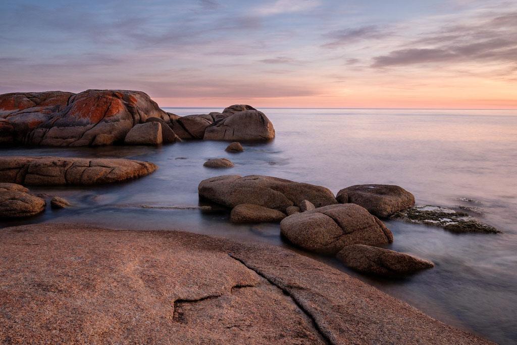 Abendstimmung an der Küste vor Bicheno, Tasmanien