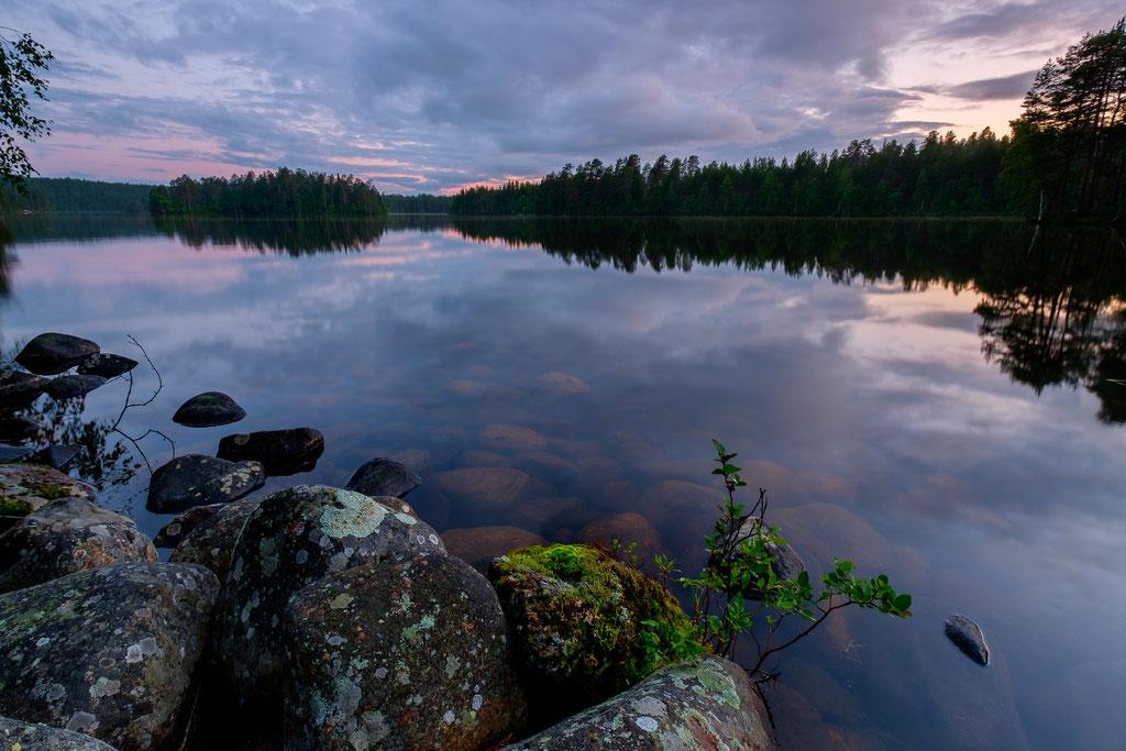 See ohne Namen zur blauen Stunde