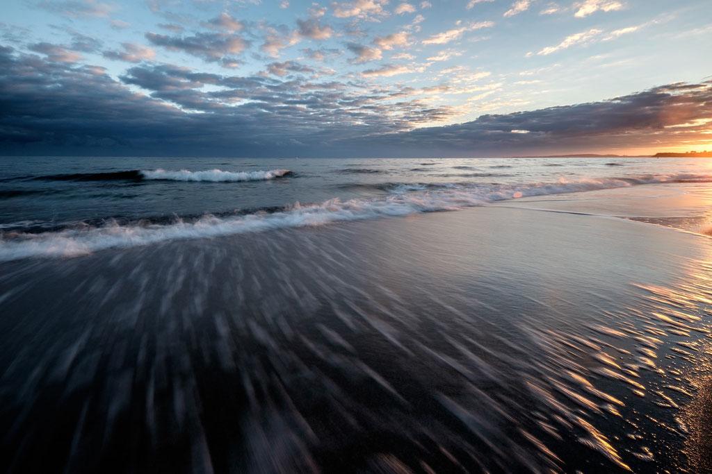 Wellen: Dynamik, Kraft und Licht