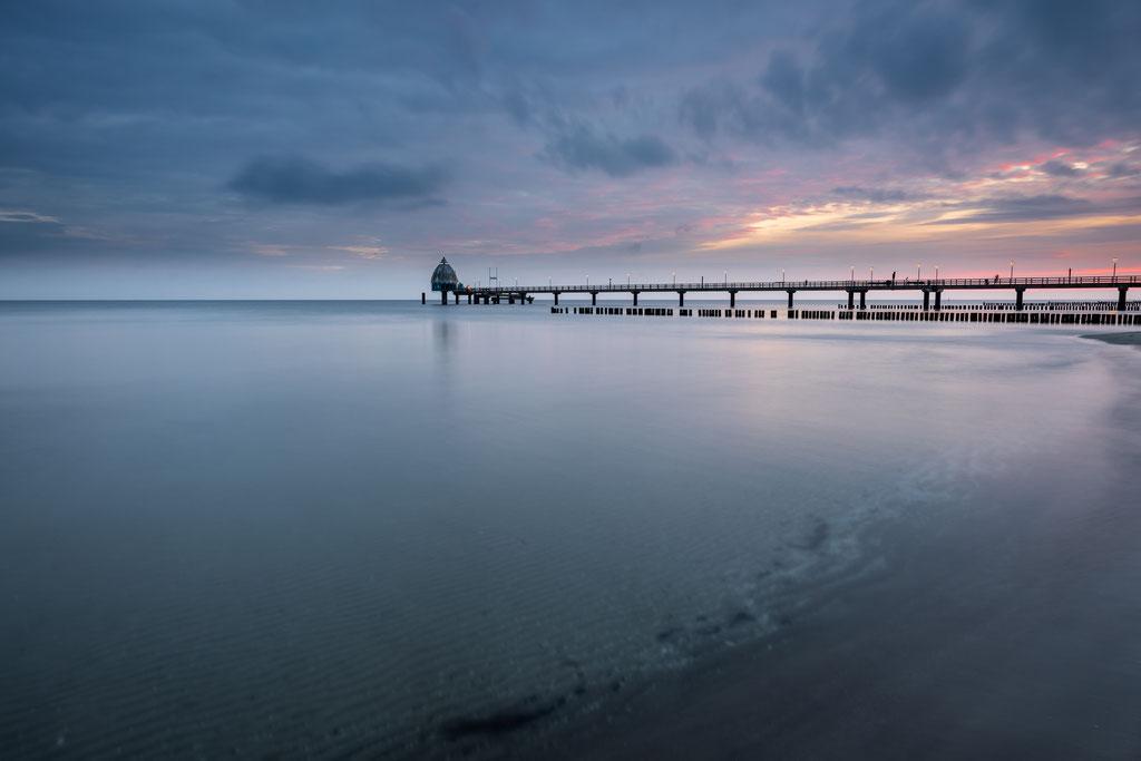 Seebrücke Zingst zur blauen Stunde