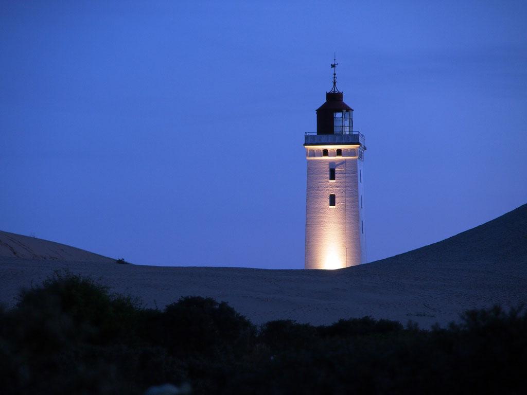 Blaue Stunde am Leuchtturm Rubjerg Knude bei Lökken, Dänemark