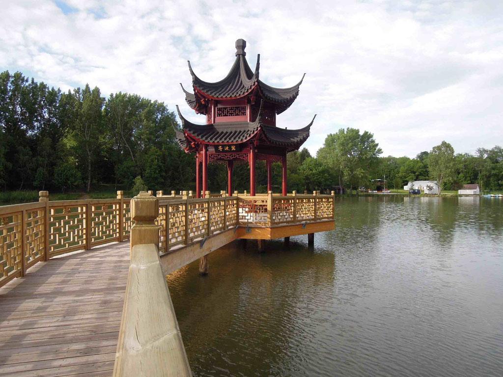 Die Seepagode des Chinesischen Gartens Weißensee