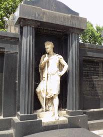 Wanderer Johannisfriedhof Bild: Susann Wuschko