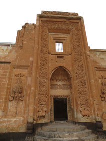 Eindrucksvolle Steinmetzarbeiten am Isak Pasa Palast in Dogubayazit
