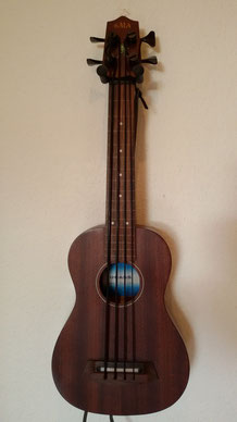 Kala U Bass SMHG FL, fretless, USA, 2011