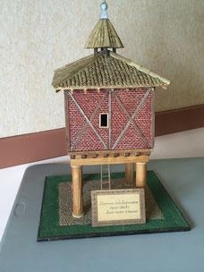 Maquette de pigeonnier réalisée par Monsieur Raphanel de mogneneins