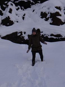 Schnee bis zu den Knien