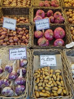 Die beste Quelle zum plastikfreien Einkaufen bleibt der hiesige Wochen- und Bauernmarkt.