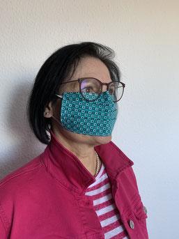 Ab 23. April gibt es die Stoffmasken der Bürgerstiftung im Eine Welt Laden. Foto: R. Finn
