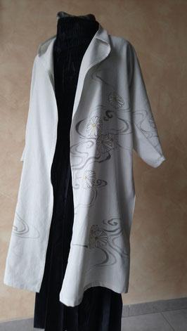 Elegant jacket en soie paint à la main.