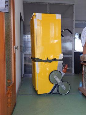 modello Mobilsal 120 , dotato delle ruotine pivottanti sotto il cassone