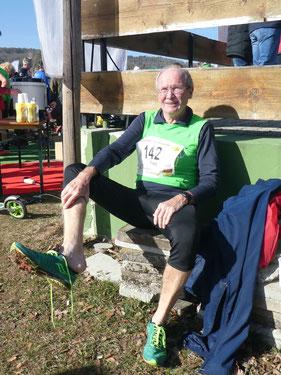 Der Meistertitel tröstet über die Schmerzen der blutigen Blase hinweg: Franz Herzgsell zufrieden nach seinem Crosslauf