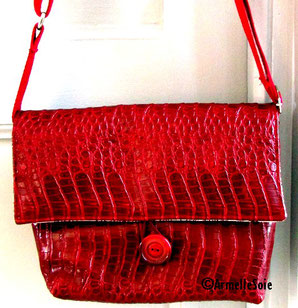 sac,bandoulière, réglable,ajustable,fait main, France, rouge,fabriqué en France, création textile, simili-cuir, Bretagne