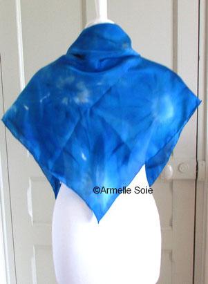 foulard, carré, soie naturelle, bleu,azur, fait main, peint main, fabriqué en France, soie,Bretagne