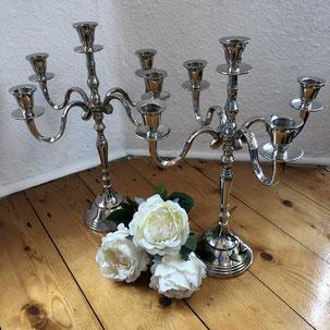 Silberner Kerzenleuchter als Tischdekoration oder Tischdeko zum Ausleihen