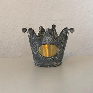 Teelichthalter aus Zink in Form einer Krone aus Dekoverleih in Bielefeld