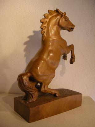 Pferdeskulptur schnitzerei holzfigur woodcarving