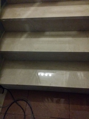 Abrillantar escalera de mármol. Pulipiso.com