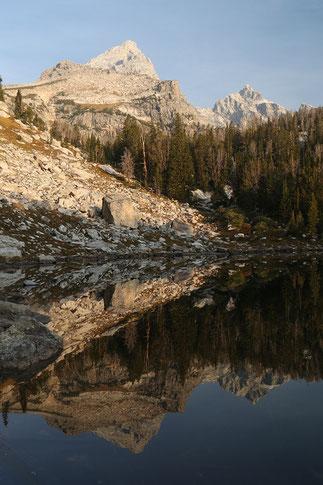 Surprise Lake, reflection mountain lake, Wyoming, Grand Tetons