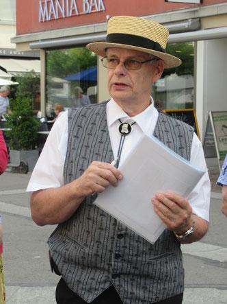 Organisator: Markus Waber beim morgentlichen Briefing