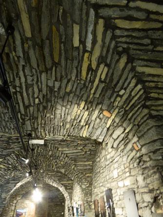 12e-eeuwse  kelder onder het Office du Tourisme