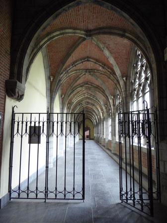 Doornik - pandgang voormalige Sint-Maartensabdij