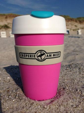 Unvermutet vielleicht: Bester Kaffee weit und breit an der Crêperie am Meer auf der Kurpromenade Westerland