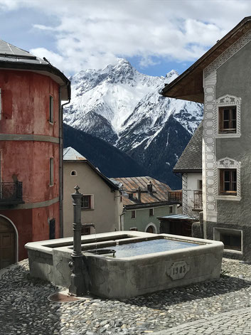 The village of Tschlin has been awarded the most beautiful Swiss village.