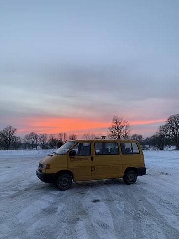 Roadtrips durch Lettland mit dem Boni-Bus
