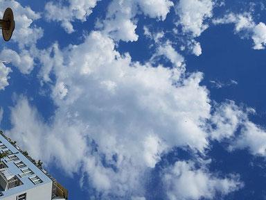 Wolken am Himmel über Köln