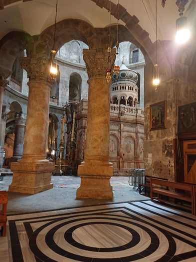 Rotunda and the Edicule - the Tomb of Christ