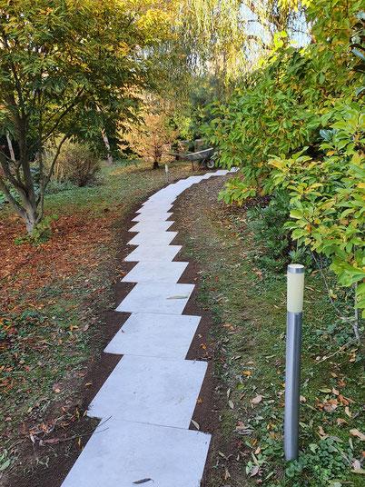 Gartenweg, Platten