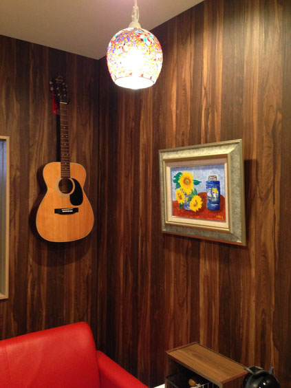 ギター教室に油絵1点飾りました