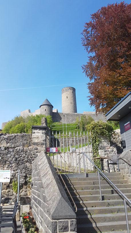 Eingang und Kassenhäuschen zur Nürburg