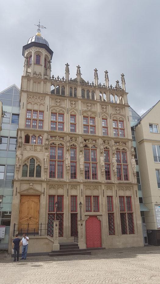 Das alte Rathaus in Wesel, Stolz der Weseler Bürger, Wieder errichtet 2007 nach schwerer Kriegszerstörung im 2. Weltkrieg