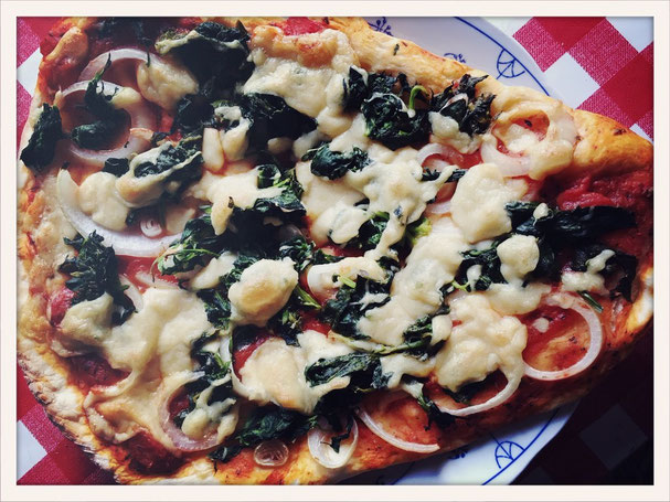 Spinat Pizza vegan, Hefeschmelz, Pizzakäse vegan Thermomix, Käse überbacken vegan, Käsesoße vegan Thermomix, Käsesoße vegan, Pizza vegan