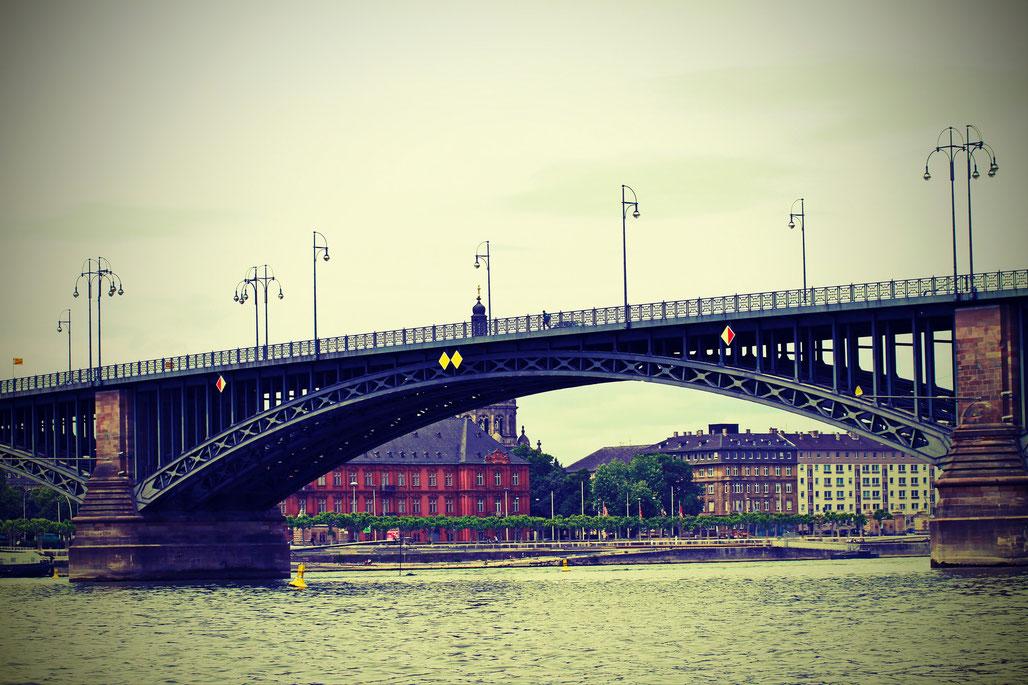Theodor Heuß-Brücke