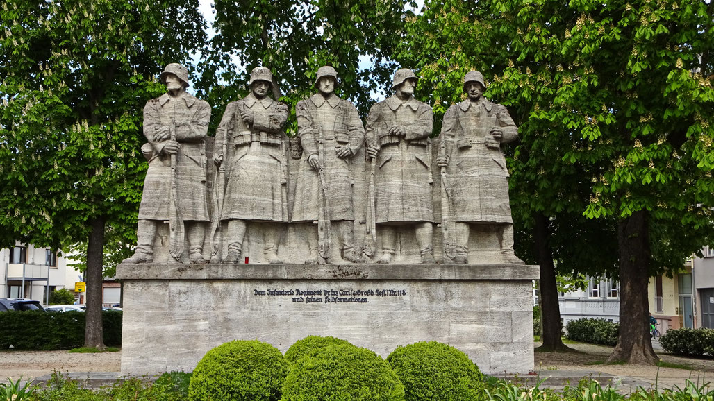 Soldatendenkmal Woms