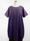 裾バルーン形・半袖コットンワンピース・ミディ丈  (ボカシ染・赤紫色に青色)