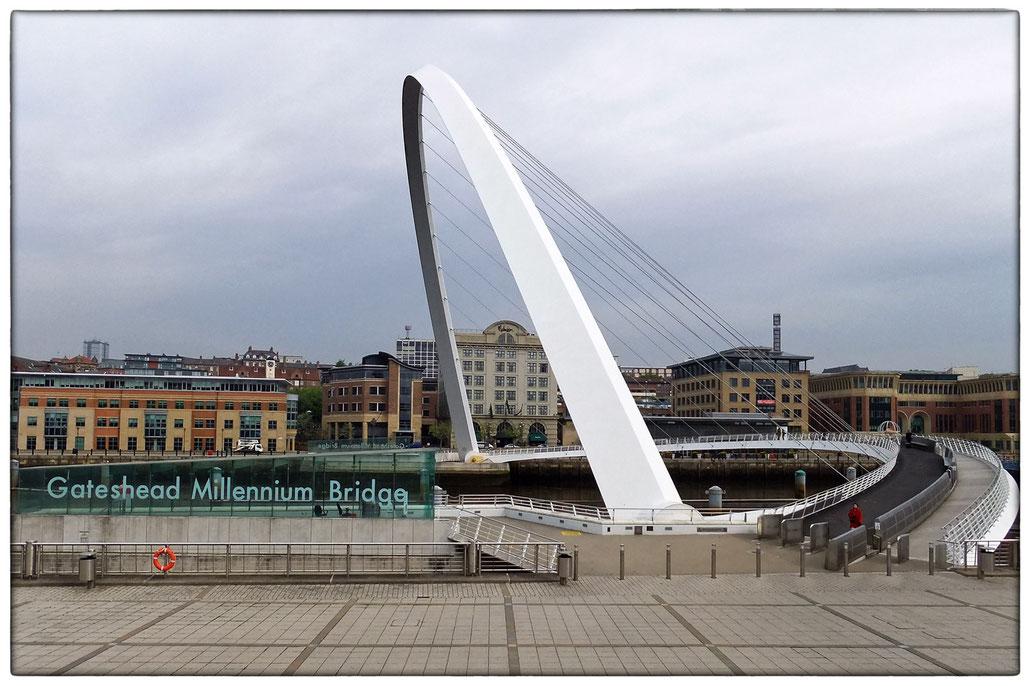 Newcastle / Gateshead - Millennium Bridge
