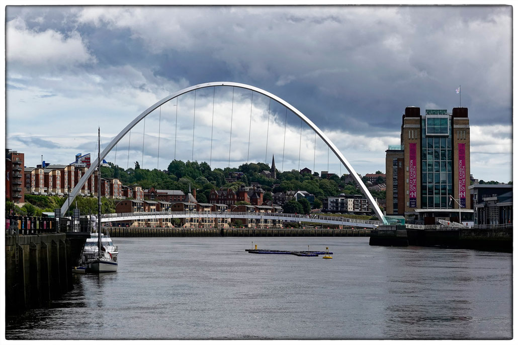 2018 Gateshead Millennium Bridge und The Baltic