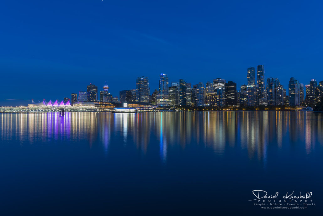 Vancouver, blue hour, blaue Stunde, British Columbia, Canada, www.danielkneubuehl.com, Photographer/Fotograf: Daniel Kneubühl