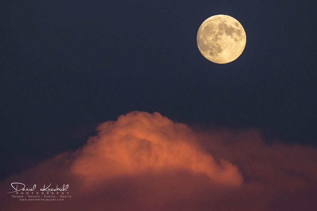 Vollmond, Mondaufgang, Sonnenuntergang, Wolken, Mondfinsternis