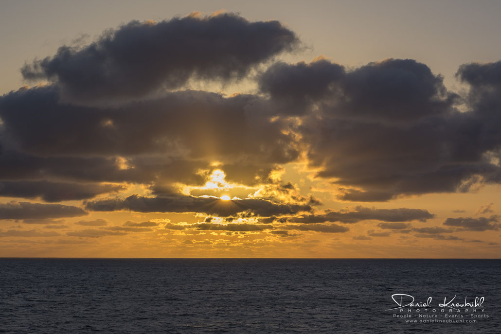 Sunset, Sonnenuntergang, at sea, Canada, www.danielkneubuehl.com, Photographer/Fotograf: Daniel Kneubühl